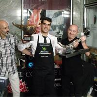 Aquí tenemos un cortador de jamon profesional recibiendo el primer premio